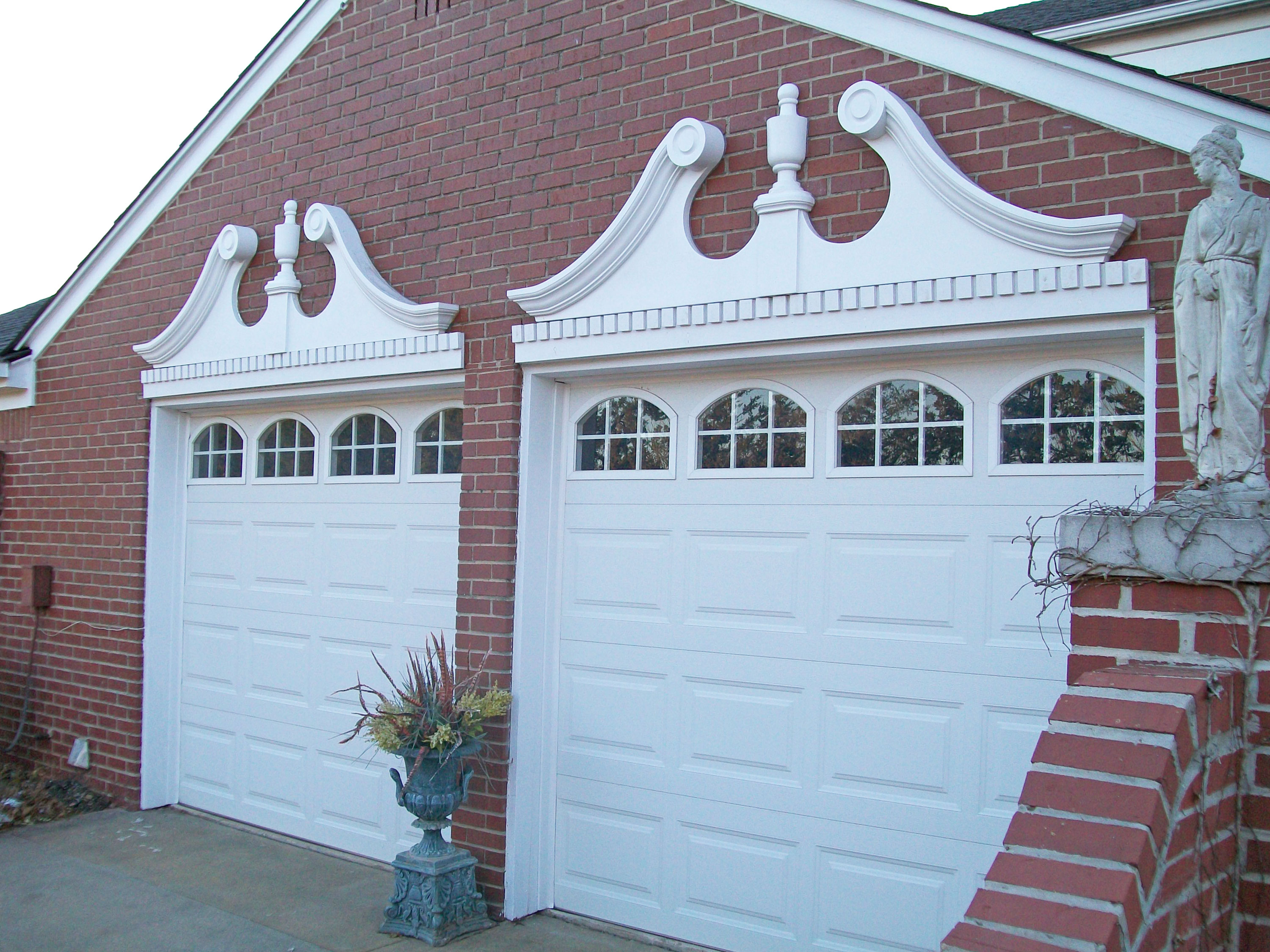 Dentil Trim Pediment