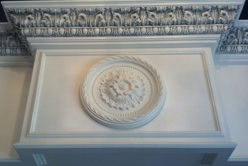 Colton-Crown-Moulding-Ceiling-Medallion