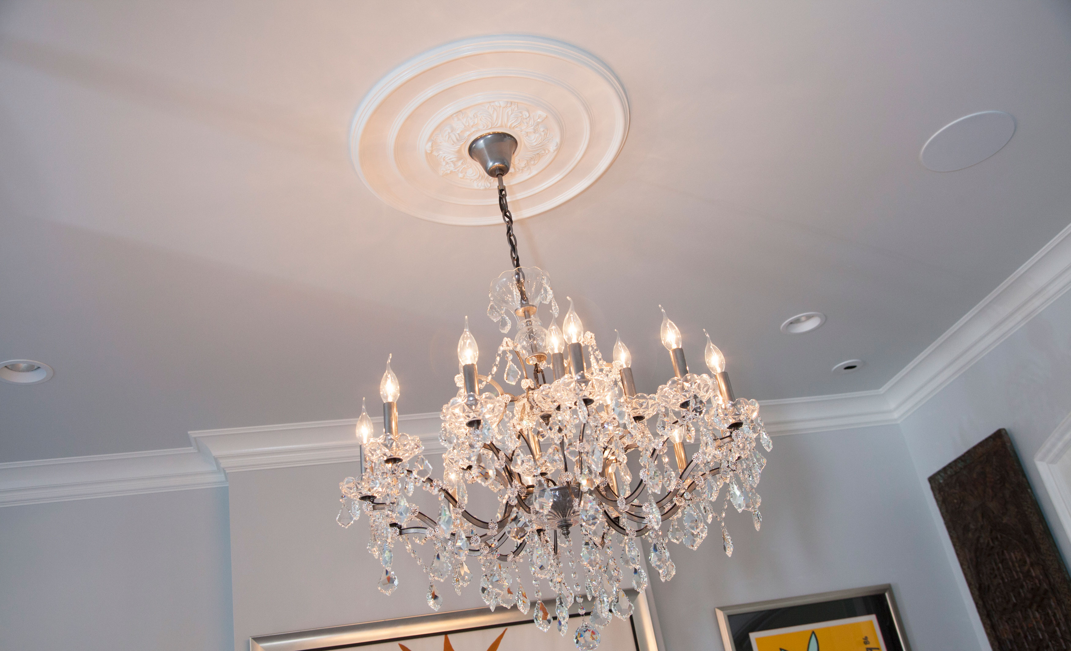 medallions ideas chandeliers ceiling home ceilings with s astonishing reminiscegroup chandelier for medallion together