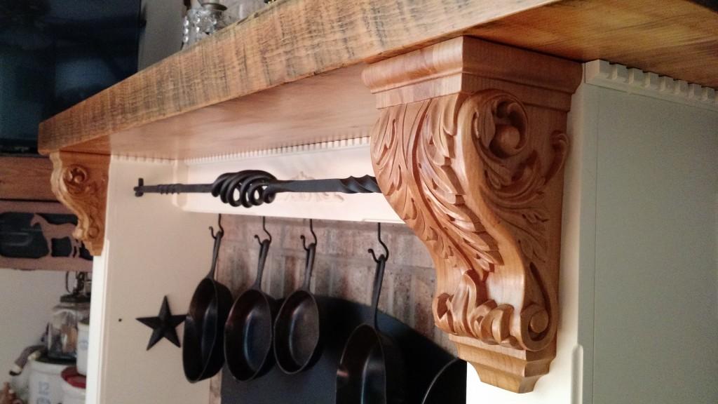 acanthus-wood-corbel-kitchen-hood