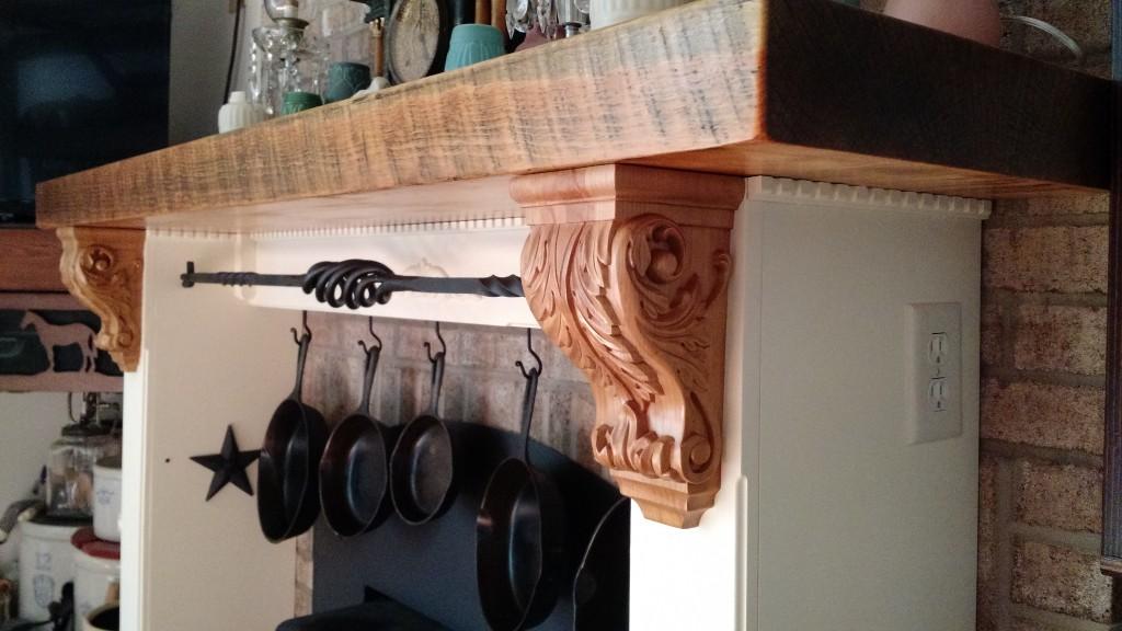 acanthus-wood-corbel-kitchen-hood-2