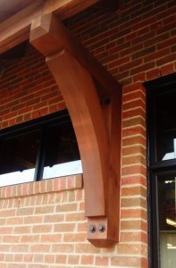 thorton-craftsman-smooth-bracket-western-cedar-building-2