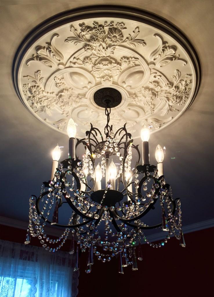 baile-ceiling-medallion