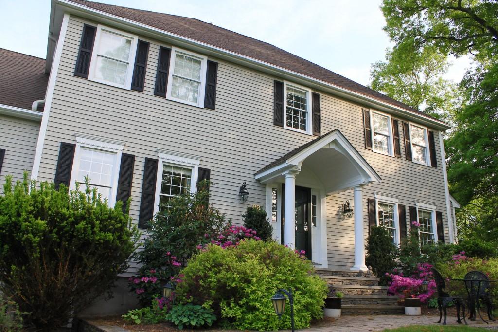 builders-choice-vinyl-open-louver-window-shutters-2
