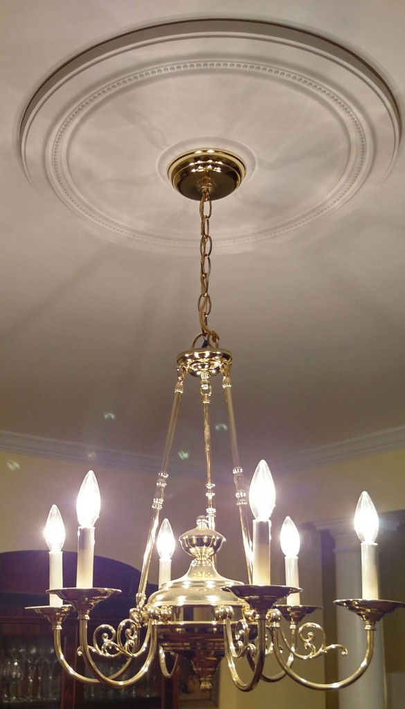 diane-ceiling-medallion-chandelier-white