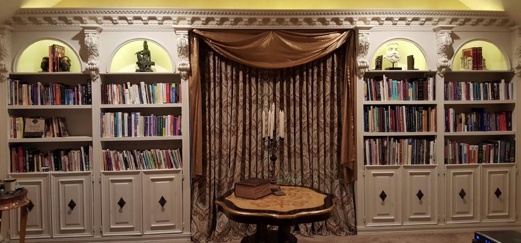stockport-crown-moulding-bookshelf
