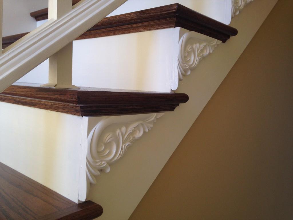 tyrone-right-stair-bracket-white-3