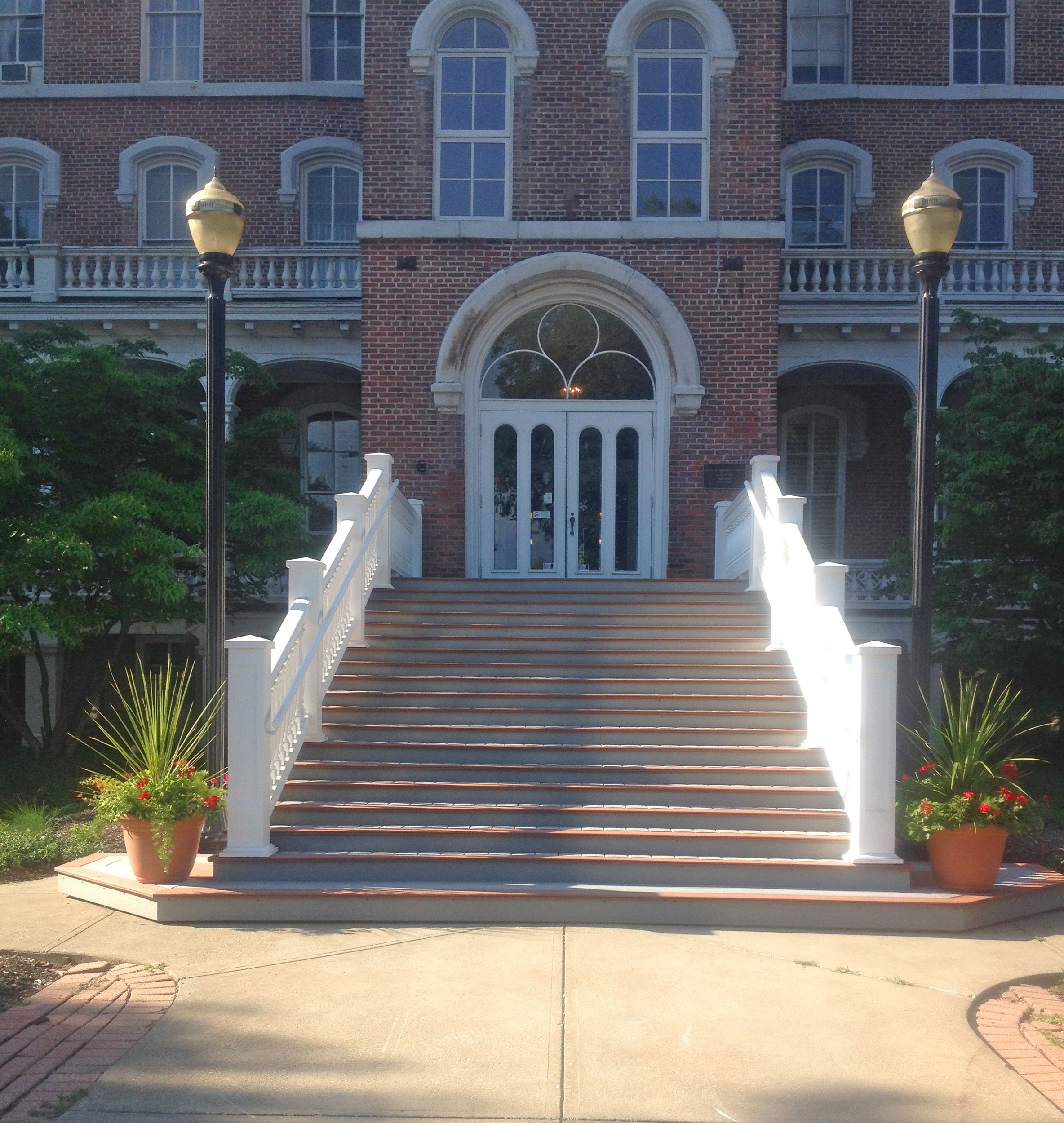 Urethane railing for stairs at lake erie college for Fypon balustrade